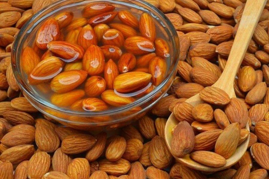 Why Soaked Almonds Are Better?