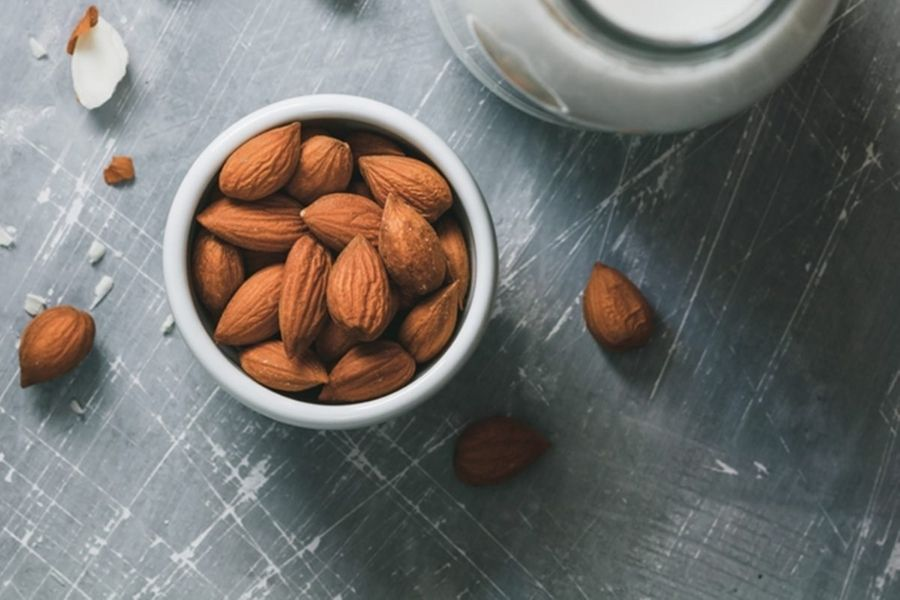 Almonds Keep Your Heart Healthy